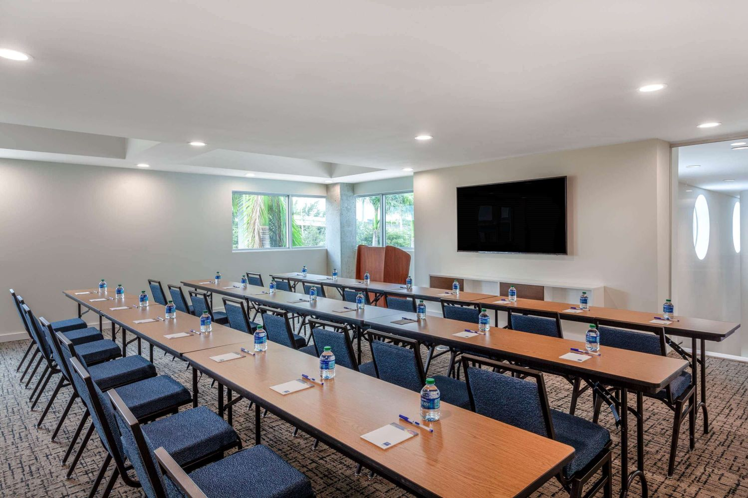 tryp-by-wyndham-maritime-fort-lauderdale-florida-upper-deck-th